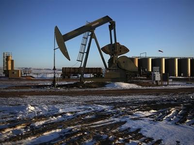 Giá dầu lại phá đáy khi Arab Saudi giảm giá bán cho Mỹ