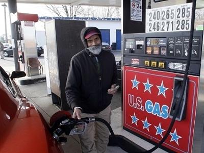 Giá dầu thấp nhất 5 năm khi Arab Saudi quyết giữ thị phần