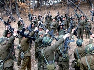 Quân đội Triều Tiên tăng cường diễn tập bất thường
