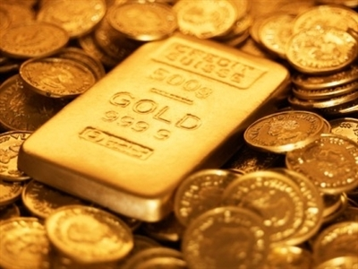 Giá vàng rơi khỏi mức cao nhất 6 tuần khi giá dầu lại phá đáy