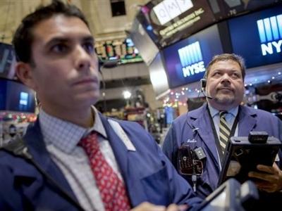 Chứng khoán Mỹ lao dốc vì giá dầu