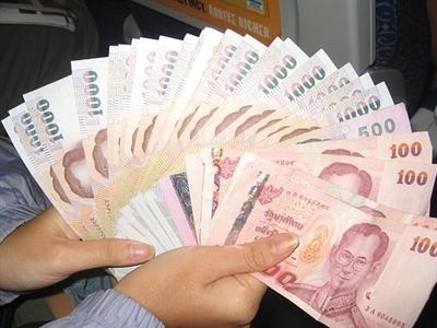 Gánh nặng nợ của Thái Lan tăng mạnh