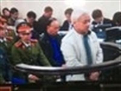 Nguyễn Đức Kiên bật khóc khi nói lời cuối cùng tại Tòa