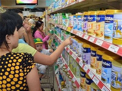 Tiếp tục áp trần giá sữa trẻ em trong năm 2015
