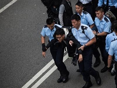 Biểu tình chiếm trung tâm Hong Kong chấm dứt