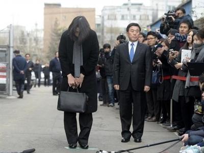 Korea Air đối mặt với lệnh ngừng bay do hành xử của con gái Chủ tịch