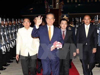 Thủ tướng Nguyễn Tấn Dũng tới thủ đô Bangkok của Thái Lan
