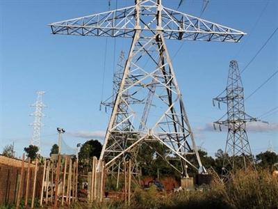 Đóng điện vận hành đường dây 220 kV Kon Tum - Pleiku