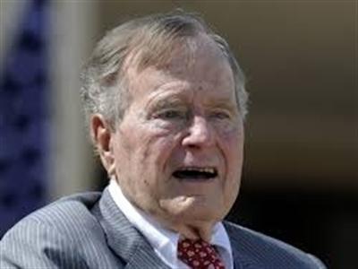 Cựu Tổng thống Mỹ George H.W. Bush nhập viện khẩn cấp
