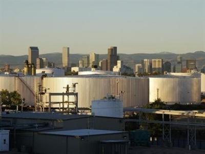 Dự trữ dầu thô của Mỹ bất ngờ tăng cao kỷ lục