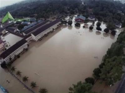 Malaysia sơ tán hơn 100.000 dân do trận lụt lịch sử