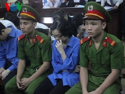 Ngày thứ 11, 'siêu lừa' Huỳnh Thị Huyền Như và đồng phạm hầu Tòa