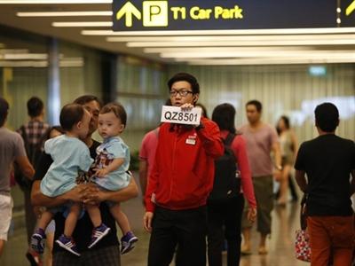 Nổ lớn tại nơi máy bay AirAsia mất tích