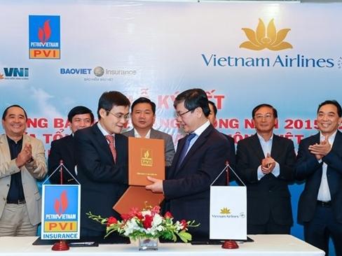 Vietnam Airlines kí hợp đồng bảo hiểm hàng không với Liên danh Bảo hiểm PVI - VNI - Bảo Việt