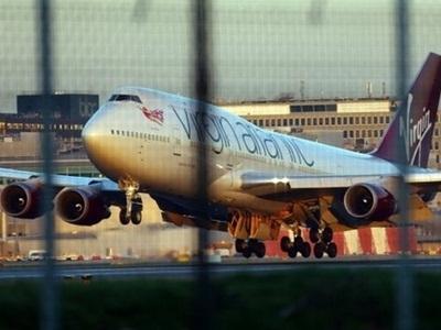 Máy bay Anh quay đầu hạ cánh khẩn cấp vì sự cố