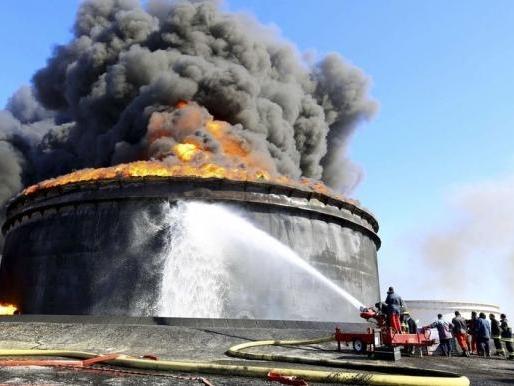Sản lượng dầu OPEC tháng 12 thấp nhất 6 tháng