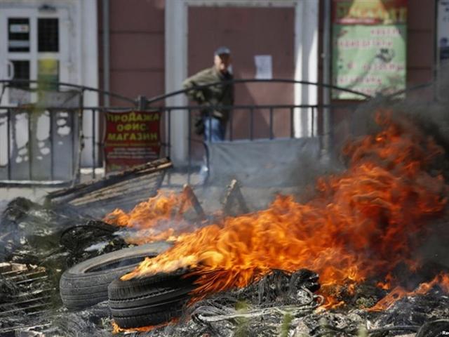 Quân ly khai Ukraine mở cuộc tấn công ngay đầu năm mới 2015