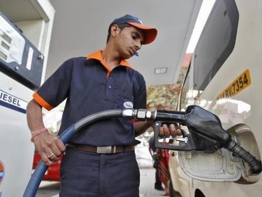 Giá dầu tuột dốc nhưng hộ gia đình châu Á hưởng lợi không nhiều