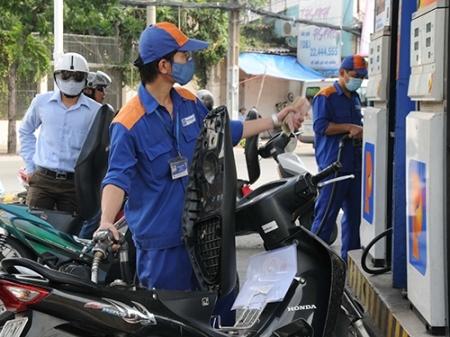 Giá xăng dầu giảm, Petrolimex xin chi Quỹ bình ổn
