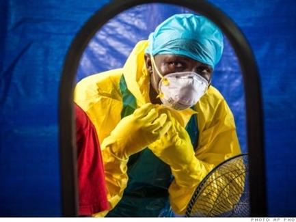 Bắt đầu thử nghiệm loại vaccine mới trị Ebola