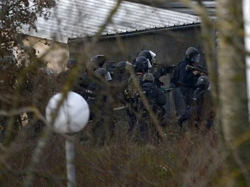 Pháp: Cảnh sát tấn công, tiêu diệt 2 kẻ bắt giữ con tin