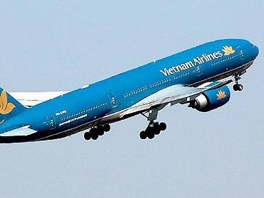 Khử trùng máy bay vì hành khách đột tử