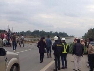 Dân vác tre rào đường cao tốc Nội Bài – Lào Cai