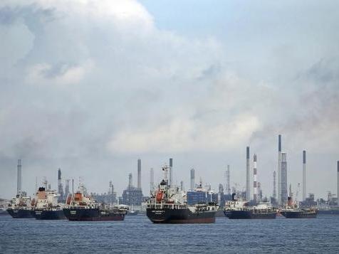 Cuộc chiến giá dầu OPEC tại châu Á leo thang khi giá dưới 50 USD/thùng
