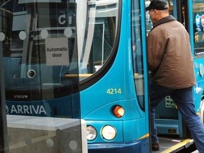 Anh đối mặt với khủng hoảng xe buýt