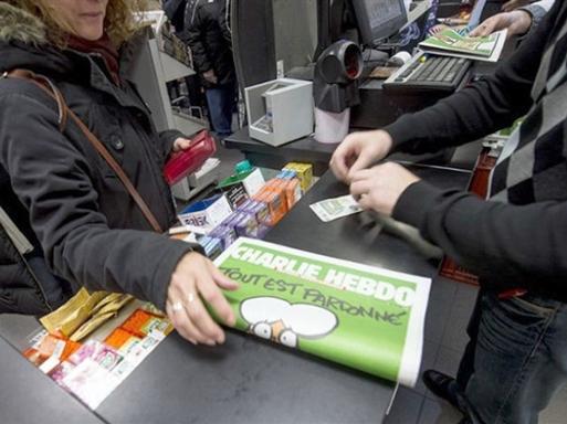 """Số báo """"lịch sử"""" Charlie Hebdo giá hàng chục nghìn USD"""