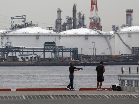 IEA: Lượng dầu thô chế biến tháng 12/2014 đạt kỷ lục