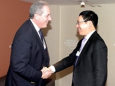 Phó Thủ tướng Phạm Bình Minh tiếp xúc song phương bên lề WEF