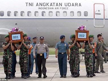 Indonesia bất ngờ tuyên bố sẽ ngừng tìm kiếm thi thể hành khách AirAsia
