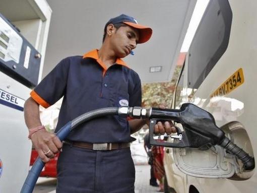 Châu Á áp thuế suất mới đối với nhiên liệu khi giá dầu giảm