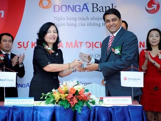 Ra mắt dịch vụ chi trả tại nhà với DongA Bank và MoneyGram