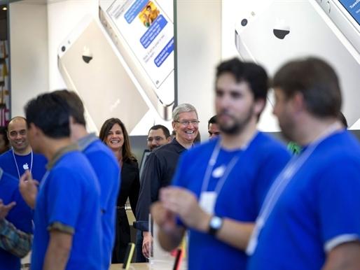 Apple lãi kỷ lục nhờ doanh số bán iPhones tăng mạnh