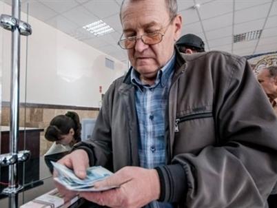 Lạm phát cao, Nga bất ngờ tăng lương 11,4% cho hơn 39 triệu người