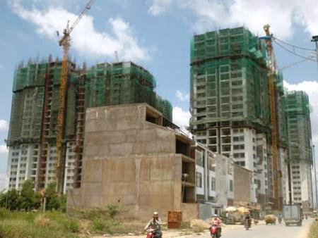 TPHCM: Gần 700 dự án 'trùm mền'