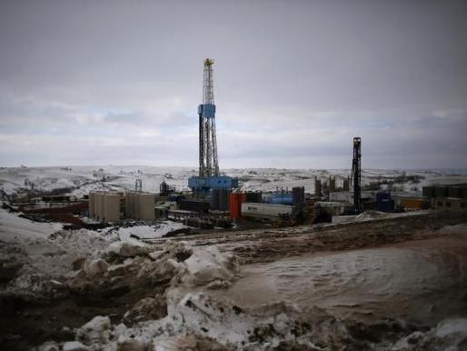 Những yếu tố tác động đến sản lượng dầu Mỹ năm 2015
