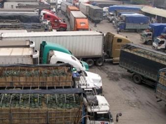 Lại ùn ứ tại cửa khẩu 1.000 tấn nông sản mỗi ngày