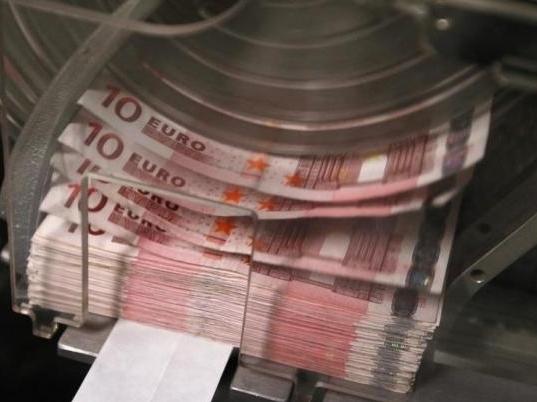 Euro tăng giá nhờ tín hiệu tích cực từ Thụy Sĩ và Hy Lạp