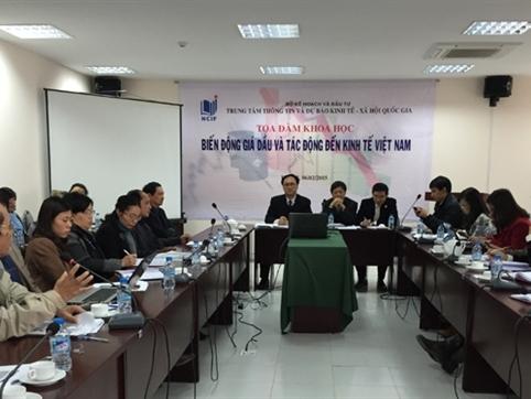 Biến động giá dầu có lợi về tổng thể cho nền kinh tế Việt Nam