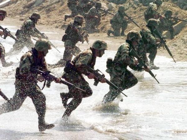 NATO nhất trí thành lập sáu căn cứ tại Đông Âu để đối phó với Nga