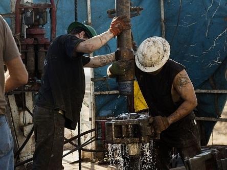 Sản lượng dầu đá phiến Mỹ tháng 3 dự đoán tăng 60.000 thùng/ngày