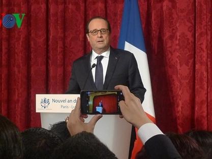 Tổng thống Pháp chúc Tết châu Á