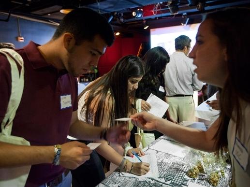 Mỹ: Số đơn xin trợ cấp thất nghiệp tăng mạnh nhất hơn 2 năm