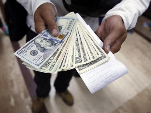 USD ghi nhận tháng thứ 8 tăng giá liên tiếp