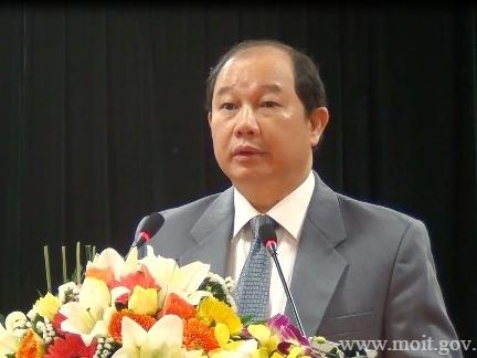 """Thứ trưởng Nguyễn Cẩm Tú """"bắt bệnh"""" ngành mía đường"""