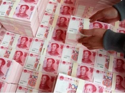 """Tiền đang """"chảy"""" khỏi Trung Quốc"""