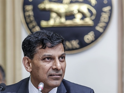 Ấn Độ lại hạ lãi suất